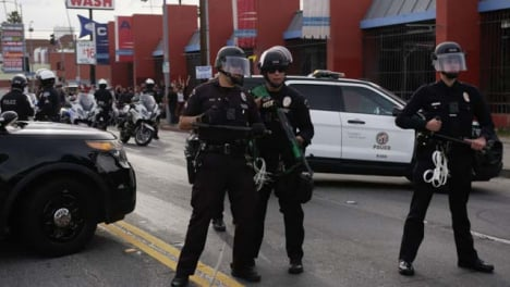 Hollywood-Police-Officers-Talking-During-Protests