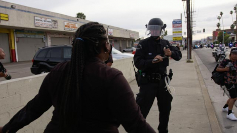 Hollywood-Police-Warn-Protesters-During-Confrontation