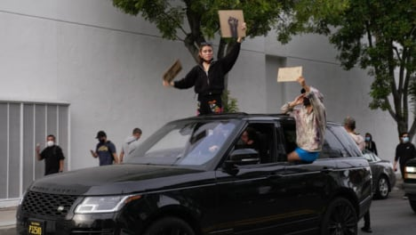 Hollywood-Protesters-Shouting-From-Car-During-Protester