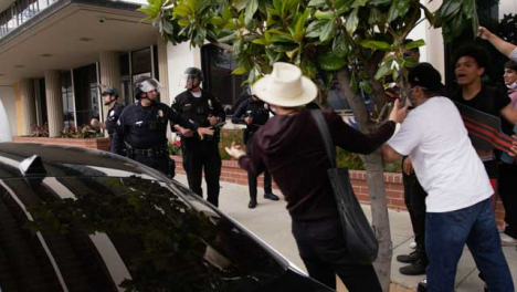 Hollywood-Stand-Off-Between-Police-and-Protesters