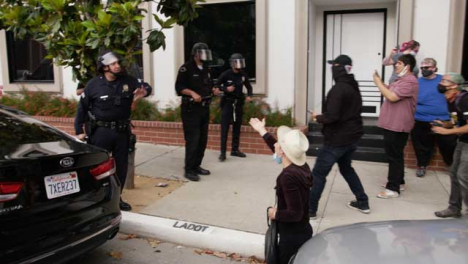 Hollywood-Police-Officers-Tell-Protesters-to-Move-Back