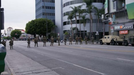 Hollywood-Military-Soldiers-Block-Street