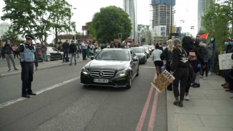 London-Cars-Driving-Through-BLM-Protest