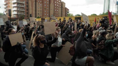 BLM-London-Protestors-Holding-Signs-and-Kneeling