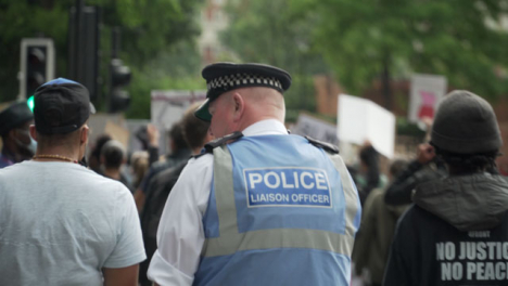 A-London-Police-Officer-Converses-with-a-BLM-Protestor