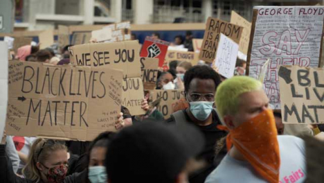 Large-Crowd-of-BLM-Protestors-Holding-Signs-in-London