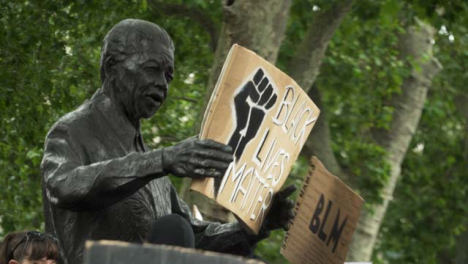 London-Nelson-Mandela-Statue-Holding-Black-Lives-Matter-Sign