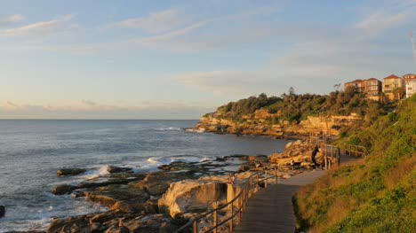 Quiet-Path-Along-Coast-in-Sydney