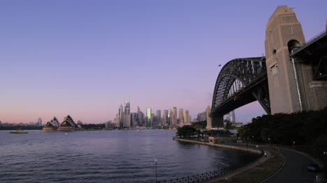 Sydney-Bridge-and-harbour-at-Dawn