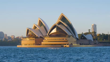 Opera-House-in-the-Morning