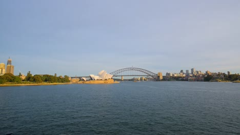 Wide-View-of-Quiet-Sydney-Harbour-