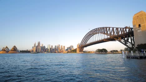 Sunrise-on-Sydney-Bridge-and-Opera-House