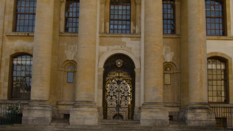 Tracking-Shot-of-University-of-Oxford-Clarendon-Building