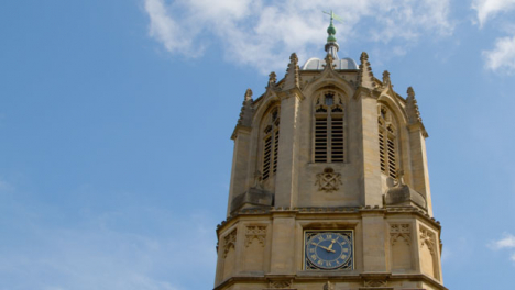 Tilting-Shot-of-Tom-Tower-at-Christ-Church-College-In-Oxford-England-