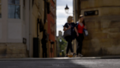 Defocused-Shot-of-Pedestrians-and-Traffic-On-High-Street-In-Oxford-03
