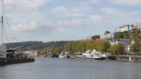 Wide-Shot-of-Boats-Docked-at-Bristol-Harbour-In-Bristol-England