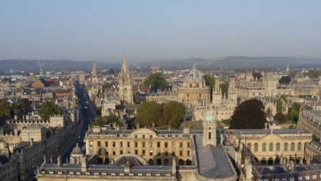 Drone-Shot-Orbiting-Buildings-In-Oxford-03