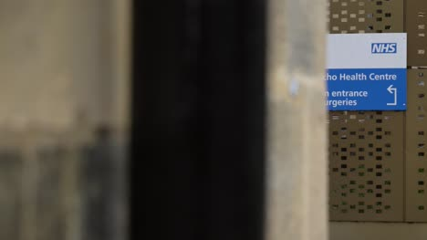 Handheld-Long-Shot-of-Jericho-Health-Centre-Sign-In-Oxford-