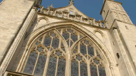 Tracking-Shot-Looking-Up-at-the-Gloucester-Cathedral-