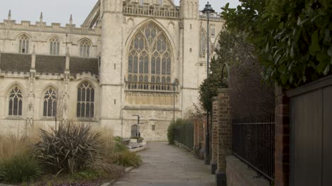 Tracking-Shot-Approaching-Gloucester-Cathedral