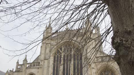 Tilting-Shot-Looking-Up-at-the-Gloucester-Cathedral