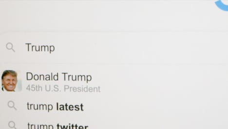 Typing-Trump-in-Google-Search-Bar