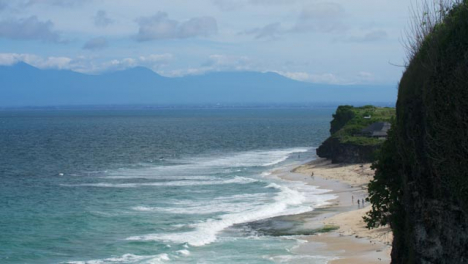 Wide-Shot-of-Waves-On-the-Uluwatu-Shores
