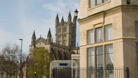 Tracking-Shot-Past-Building-Revealing-Bath-Abbey