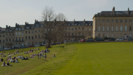 Panning-Shot-of-Busy-Royal-Crescent-Green