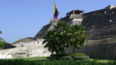 Cartagena-Colombia-Fort-with-flag