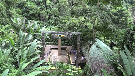 Costa-Rica-rainforest-cable-car-goes-up
