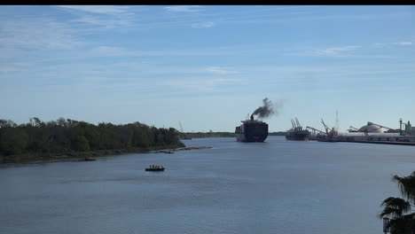Georgia-Savannah-River-with-container-ship-time-lapse