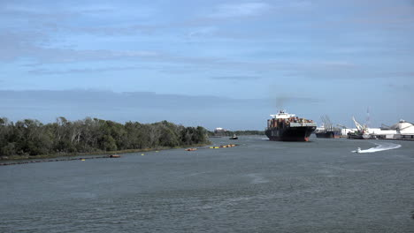Georgia-cargo-ship-and-speed-boat-on-the-Savannah-River