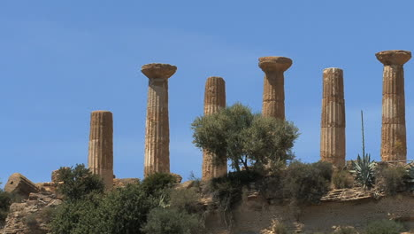 Italy-Sicily-Agrigento-ruins-columns-and-sky