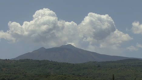 Sicily-Etna-with-clouds