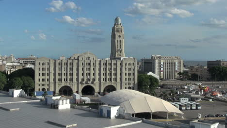 Uruguay-Montevideo-building-and-tent