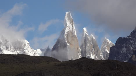 Argentina-Cerro-Torre-with-clouds