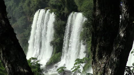 Iguazu-Falls-Argentina-view