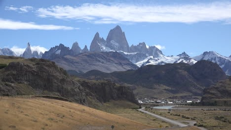 Argentina-Mount-Fitz-Roy-in-afternoon