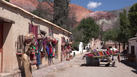 Argentina-Purmamarca-shops-along-street