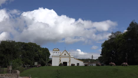 Argentina-Nube-Encima-De-La-Iglesia