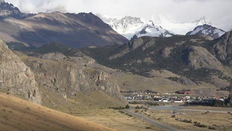 Argentina-road-to-El-Chalten-pan-and-zoom