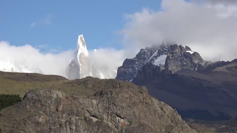Argentina-view-of-Cerro-Torre