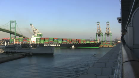 Los-Angeles-California-container-ship