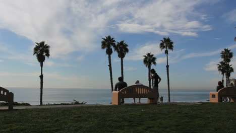 California-San-Clemente-people-on-bench
