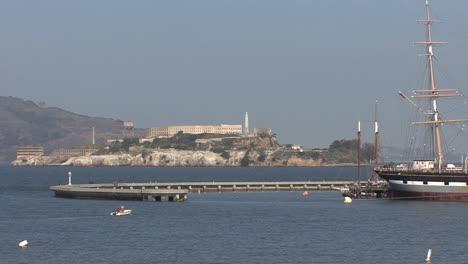 San-Francisco-Kalifornien-Bucht-Vögel-Boote
