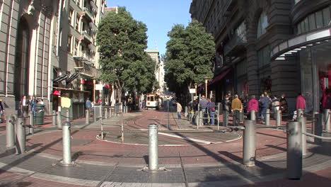 San-Francisco-California-Cable-Car-Umkehren