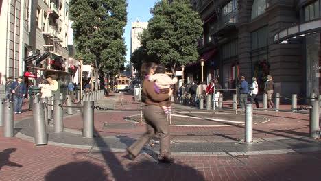 San-Francisco-California-Cable-Car-Turn