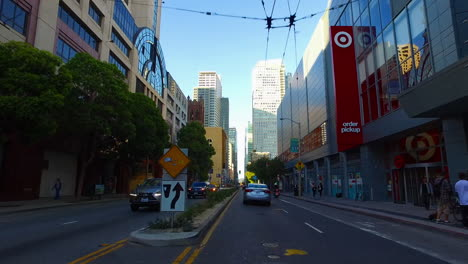 San-Francisco-California-downtown-buildings-and-traffic