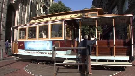 San-Francisco-California-Hombres-Girar-Teleférico